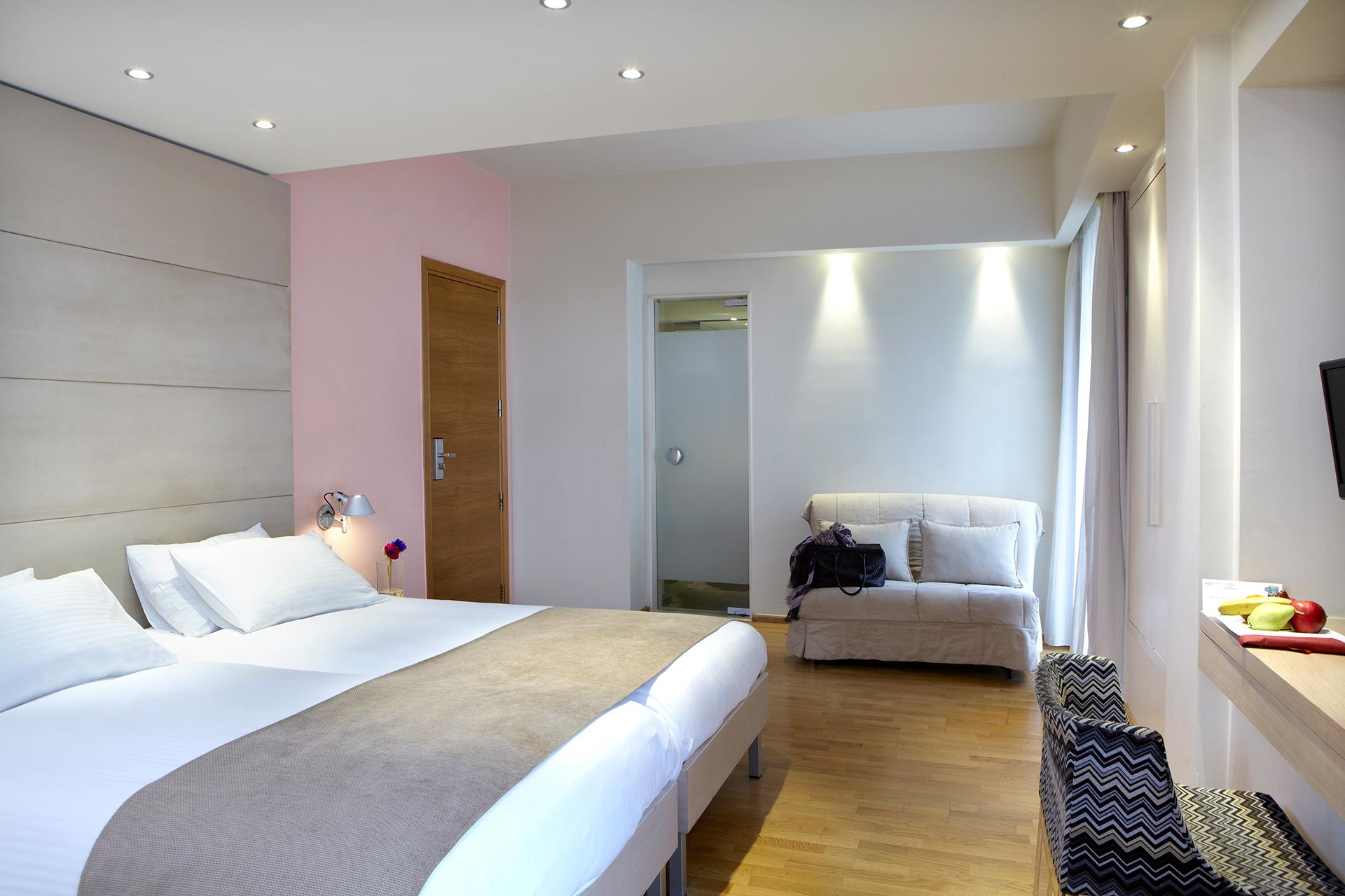 Spacious_Family_Rooms_View__Hotel_Olympia_Thessaloniki_Center_3683_Family